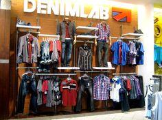 Urbano, Más del 70% de los clientes potenciales compra en un comercio influenciado por sus maniquies.