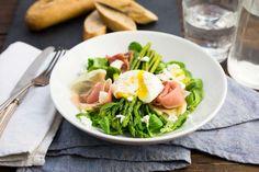 Maaltijdsalade van groene asperges, aardappel, ei en rauwe ham - Koken met Aanbiedingen
