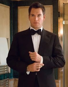 Michael Weatherly in a tux....oh, yes please!