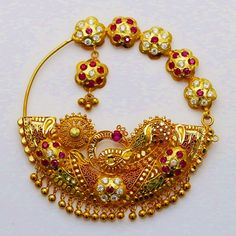 Bridal beautiful look nose ring nath designs - Fashion Beauty Mehndi Jewellery Blouse Design Antique Jewellery Designs, Antique Jewelry, Gold Jewelry, Jewelery, Jewelry Design, Jewelry Accessories, Designer Jewellery, Gold Earrings, Nath Nose Ring