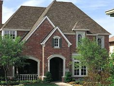 Best Dark Brown House With Driftwood Shingles Brick Pinned By Www Modlar Com Brick In 2019 Roof 640 x 480