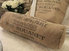 Pillow covers made from burlap coffee bags. Burlap Sacks, Burlap Pillows, Hessian, Throw Pillows, Coffee Pods, Coffee Art, Coffee Shop, Coffee Lovers, Coffee Bean Sacks