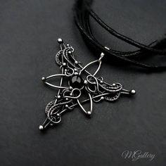 triquetra pendant by GaleriaM