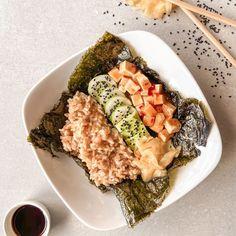 Co powiecie na sushi? 🍣  Ostatnio miałam ogromną ochotę na sushi, ale czas i sprzęt potrzebny do jego wykonania mnie pokonał 😅 Zamiast powstał przepis na sushi bowle dla zdolnych, ale trochę bardziej leniwych w wersji wegańskiej, który okazał się strzałem w 10 🌱 Cobb Salad, Food, Essen, Meals, Yemek, Eten