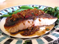 Pan Fried Chili Ginger Salmon and Sugar Snap Peas by thetrishaw #Salmon #Ginger #Chili #Sugar_Snap_Peas #Healthy