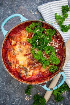 vegetarisk lasagne med halloumi och spenat Veggie Recipes, Vegetarian Recipes, Dinner Recipes, Dessert Recipes, Savoury Recipes, Desserts, A Food, Good Food, Yummy Food