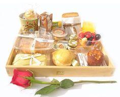 Desayuno sorpresa Breakfast Desayunos, Breakfast Options, Snack Box, Lunch Box, Picnic Box, Healthy Snacks, Healthy Recipes, Recipe Box, Catering