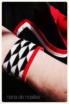 Bracelet | Manchette | Perles de rocailles | Miyuki | Géométrique | modèle Dianna RIGG . par nanadenoailles sur Etsy https://www.etsy.com/fr/listing/272376566/bracelet-o-manchette-o-perles-de