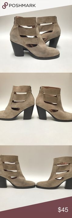 Topshop Suede Cut Out Boots These are Topshop Suede Cut Out Boots💕💕💕Super cute cute outs. Genuine leather lining and suede upper. Zips in back for easy on/off. Some discolorations as seen in up close pics. Made in Portugal. Topshop Shoes Ankle Boots & Booties