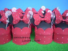 Olá!!!!! Cupcakes da Minnie, feitos com todo carinho !!!! Encomenda da querida Patrícia (Santos/SP ) ! Para o aniversário de s...