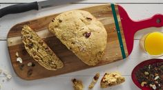 Βιολογικό ψωμί με αποξηραμένα φρούτα και ξηρούς καρπούς | alevri.com Bread, Recipes, Food, Brot, Recipies, Essen, Baking, Meals, Breads
