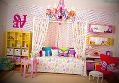 quarto-infantil-feminino-bolinhas-coloridas