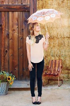 The official site of Lauren Conrad is a VIP Pass. Here you will get insider knowledge on the latest beauty and fashion trends from Lauren Conrad. Look Girl, Up Girl, Spring Summer Fashion, Autumn Fashion, Summer Fall, Lauren Conrad Style, Lauren Conrad Kohls, Looks Jeans, Black Skinnies