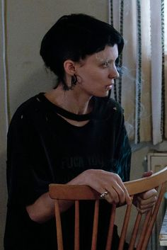 Rooney Mara as Lisbeth Salander, The Girl with the Dragon Tattoo (2011) #androgyny #tomboy