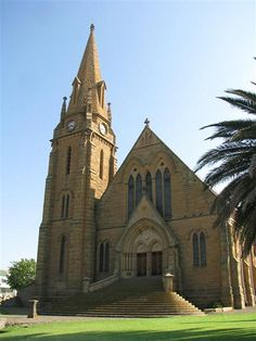 NG Kerk Winburg Church Pictures, Take Me To Church, Church Architecture, Church Design, Old Churches, Church Building, Chapelle, Place Of Worship, Old Buildings