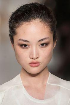 Jing Wen // Hair: black - Eyes: black - Height: 177 cm - Background: Chinese - Nationality: Chinese