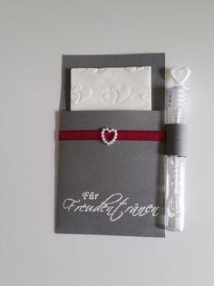 Hochzeitsdeko - Für Freudentränen in grau-beere mit Perlenherz - ein Designerstück von cardlove bei DaWanda