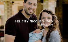 The Vuolo family! Duggar Girls, Jinger Duggar, Justin Jackson, Jeremy Vuolo, Dugger Family, 19 Kids And Counting, Bates Family, Baby Poses, Wife And Girlfriend