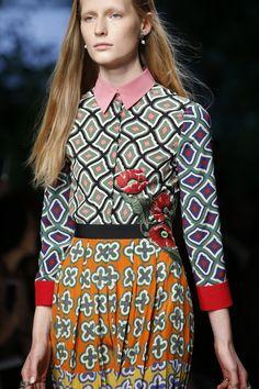 forlikeminded:    Gucci - Milan Fashion Week / Spring 2016    Model: Julita Formella