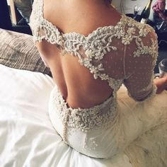 Luxury Half Sleeves Lace Appliques Sheath Open Back Feather Wedding Dress