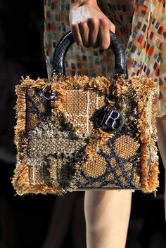 Christian Dior Spring 2012 Ready-to-Wear Fashion Show Details
