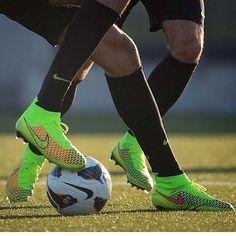 Ver esta foto do Instagram de @footballboots.fc • 261 curtidas