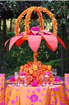 Pink & orange exotic table arrangement  #wedding #decor #wildflower #linen #table #roses