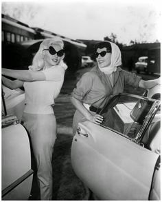 Jayne Mansfield & Joan Collins