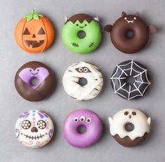 These spooky Halloween donuts will inspire you to create your own. See pumpkin donuts and bat doughnuts to spiderwebs, monsters, and everything in between. #halloweendonuts #halloween #halloweendesserts #donuts Halloween Donuts, Halloween Cake Pops, Halloween Desserts, Halloween Treats, Happy Halloween, Spooky Halloween, Halloween Appetizers, Halloween 2018, Halloween Halloween
