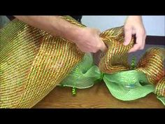 Great video showing how to create a mesh garland.  Products available from www.mychristmas.com.au