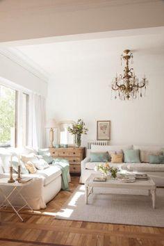 SALÓN - REFORMA Y DECORACIÓN, NATALIA ZUBIZARRETA INTERIORISMO. Las generaciones se fusionan en el hogar de Amaia. Recuperando la vivienda de su abuela, se ha buscado obtener máxima luminosidad en un espacio en el que muebles y objetos, que viven en esta casa desde siempre, convivan con estilo sencillo y moderno que caracteriza a los nuevos inquilinos. Oversized Mirror, Living Room, Furniture, Home Decor, House Decorations, Simple Style, Cozy, Live, Trendy Tree