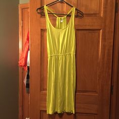 NWT yellow dress Never worn! Just about knee length (I'm 5'2) Old Navy Dresses