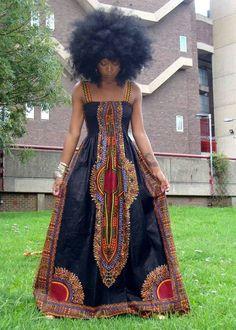 Ce pagne à lui seul porte plusieurs noms: Dashiki, Adis Abeba, Angelina, Miriam Makeba,… et il fait partie des succès les plus durables dans le temps de Vlisco. C'est en effet la firme hollandaise de tissus imprimés qui a créé ces motifs il y a une cinquantaine d'années maintenant. «Angelina», appelation apparemment préférée de Vlisco, ...