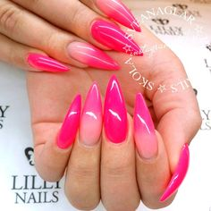 Best Stiletto Nails Designs, Ideas and Tips For You Trendy Nails, Cute Nails, Beauty Hacks Nails, Pink Ombre Nails, Summer Acrylic Nails, Chrome Nails, Gorgeous Nails, Stiletto Nails, Nails Inspiration