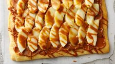 A handful of ingredients is all it takes to whip up these simple, delicious desserts! Best Apple Desserts, Apple Recipes, Just Desserts, Fall Recipes, Dessert Recipes, Autumn Desserts, Spring Desserts, Fruit Recipes, Dessert Ideas