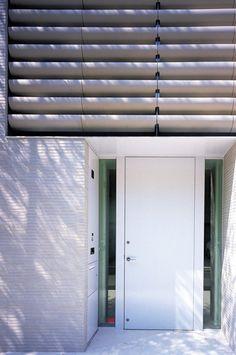 南青山の家 | AGORABRIX 国代耐火工業所 Blinds, Curtains, Home Decor, Decoration Home, Room Decor, Shades Blinds, Blind, Draping, Home Interior Design