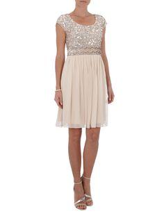 YOUNG COUTURE Kleid mit Pailletten- und Zierperlenbesatz in Beige | FASHION ID Online Shop
