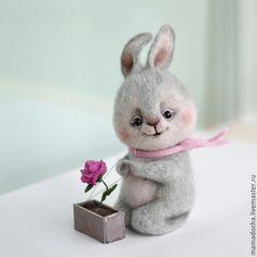 Купить Садовник - бледно-розовый, серый, серо-розовый, нежность, роза, заяц игрушка, зайчик