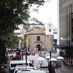 chi di voi indovina che chiesa è questa e da dove è stata scattata questa foto?? vi do un indizio:  by robyincolombia