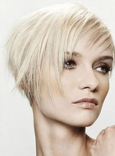 Trendy hairstyles for short fine hair