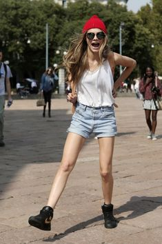 """The """"There's No Difference Between a 3-Year-Old and a Street Style Photographer"""" Face. Cara Delevingne"""
