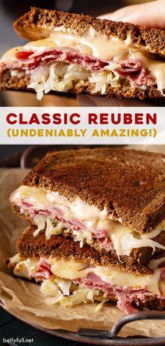 Klassisches Reuben Sandwich - Sandwiches World 2020 Gourmet Sandwiches, Best Sandwich Recipes, Dinner Sandwiches, Delicious Sandwiches, Soup And Sandwich, Sandwich Ideas, Salad Sandwich, Wrap Sandwiches, Corned Beef Sandwich