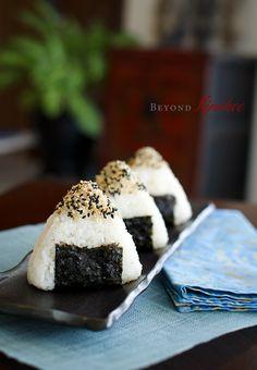 KIMCHI TUNA-FILLED ONIGIRI [East Asia, Fusion] [beyondkimchee] [onigiri, o-nigiri, omusubi, o-musubi, musubi, rice ball] [preserved seafood, canned tuna, tinned tuna, canned seafood, tinned seafood]