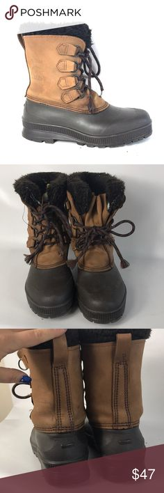 Sorel boots lady size 9 Condition 8/10, normal amount of scuffs around both shoes from normal wear, warm and comfy. Don't miss out. I am accepting offers. If you have any questions or you want to request more pictures, don't hesitate to ask me. Thank you Sorel Shoes Winter & Rain Boots