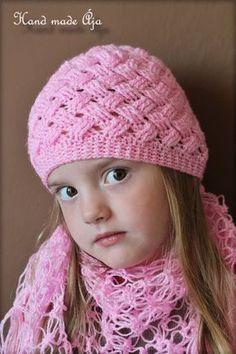Crochet with love - Hand made Ája: ZIG ZAG čepička Crochet Beanie Hat, Knitted Hats, Knit Crochet, Crochet Hats, Ear Warmers, Zig Zag, Baby Hats, Crochet Projects, Headbands