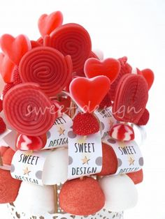 Maceta Roja y Blanca Sweet Hampers, Ladybug Party, Marshmallow Pops, Ideas Para Fiestas, Party Themes, Diy And Crafts, Valentines Day, Sweets, Candy