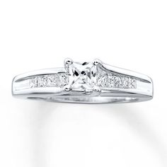 Kay - Previously Owned Ring 3/4 ct tw Diamonds 14K White Gold