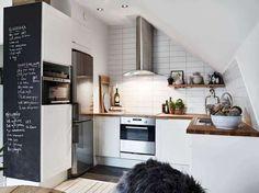 Arredare una cucina ad angolo - Parete lavagna per la cucina