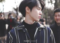 doyoung looking like a whole boyfriend material