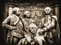 Abstrakte MonochromFotografie Detail von gerhards auf Etsy Maria Theresia, Monochrom, Statue, Etsy, Painting, Art, Wall Canvas, Painting Art, Paintings